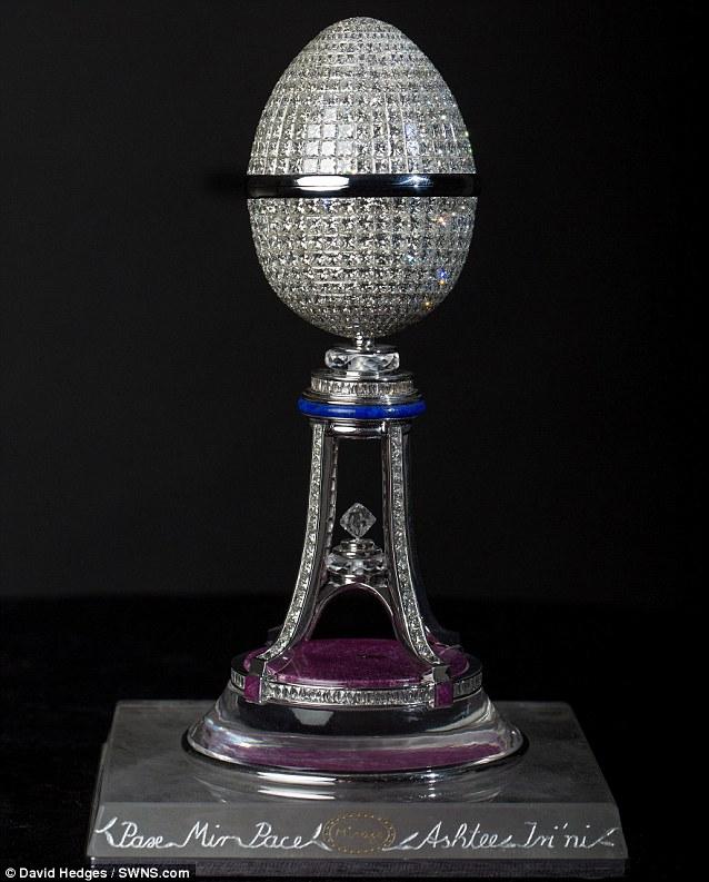 Chiêm ngưỡng trứng Phục sinh đính 1.000 viên kim cương - Ảnh 9