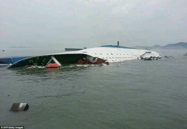 Những giả thuyết về vụ chìm tàu Sewol - Ảnh 1