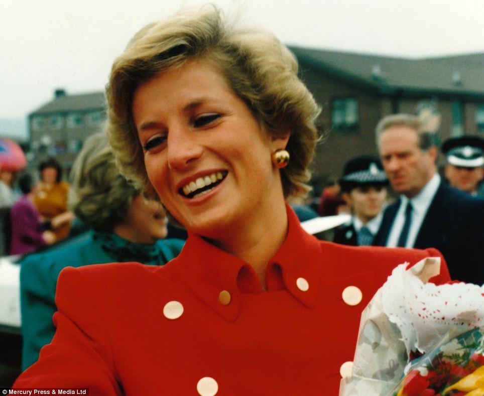 """Những bức ảnh """"độc"""" về gia đình hoàng gia Anh - Ảnh 1"""