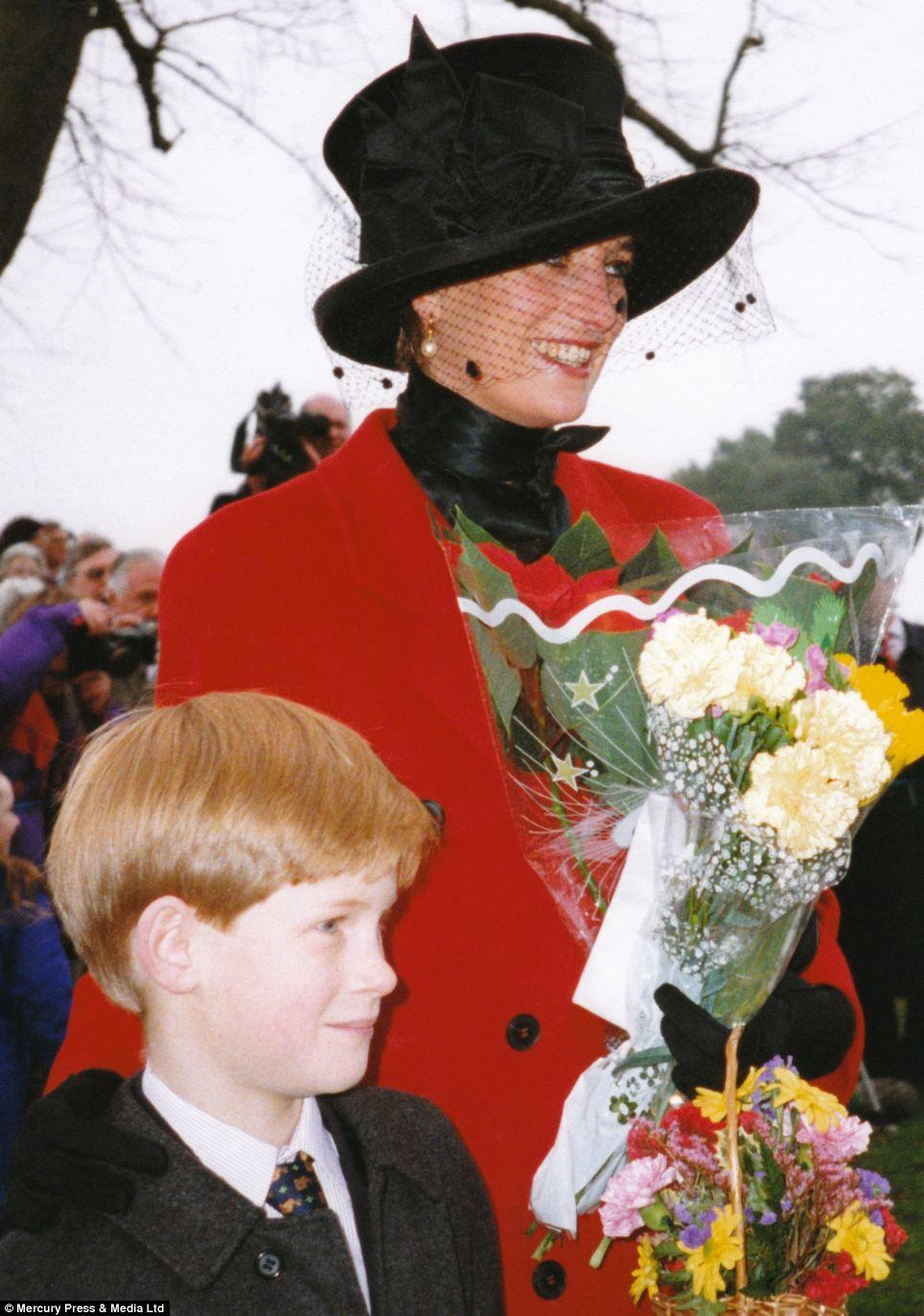 """Những bức ảnh """"độc"""" về gia đình hoàng gia Anh - Ảnh 3"""