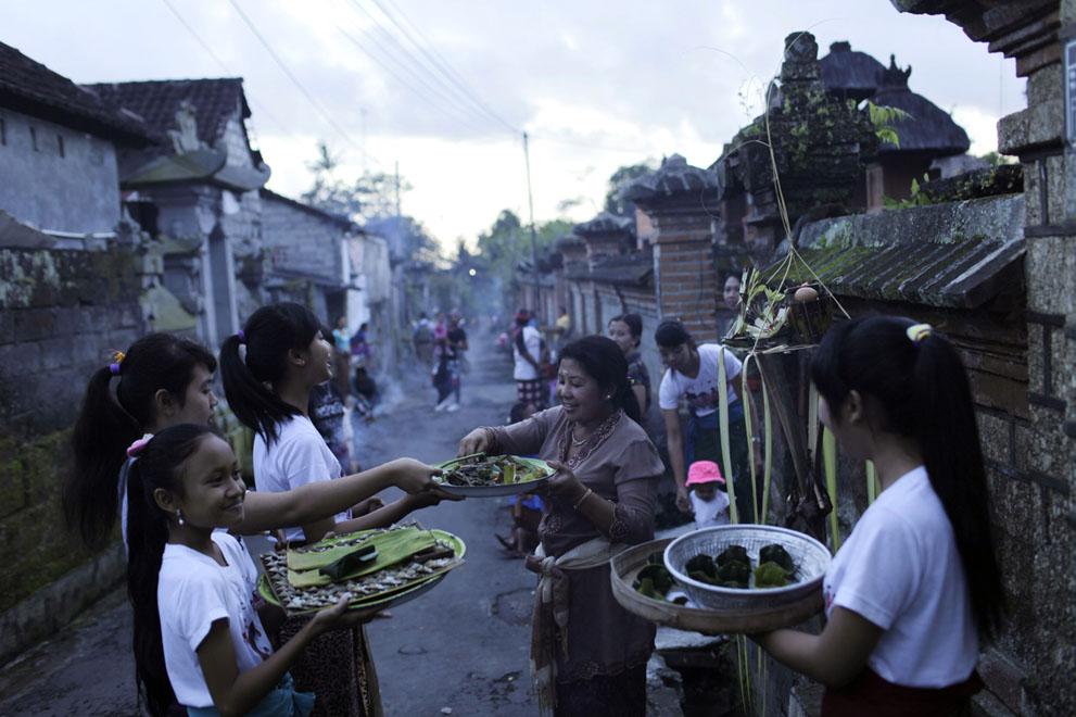"""Hình ảnh trước và sau """"Ngày của im lặng"""" ở Indonesia - Ảnh 7"""