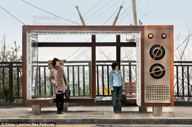 """Hình ảnh cuộc sống """"tương phản"""" giữa hai miền Triều Tiên - Ảnh 14"""