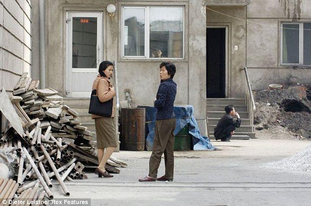 """Hình ảnh cuộc sống """"tương phản"""" giữa hai miền Triều Tiên - Ảnh 9"""