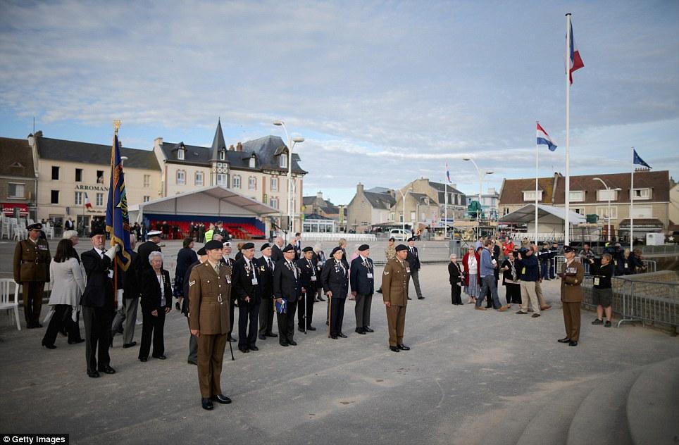 Toàn cảnh buổi lễ kỷ niệm 70 năm cuộc đổ bộ Normandy - Ảnh 1