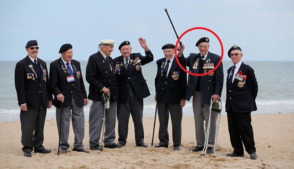 Toàn cảnh buổi lễ kỷ niệm 70 năm cuộc đổ bộ Normandy - Ảnh 9
