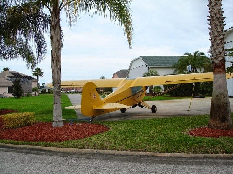 Khám phá thị trấn người dân đi làm bằng…máy bay - Ảnh 7