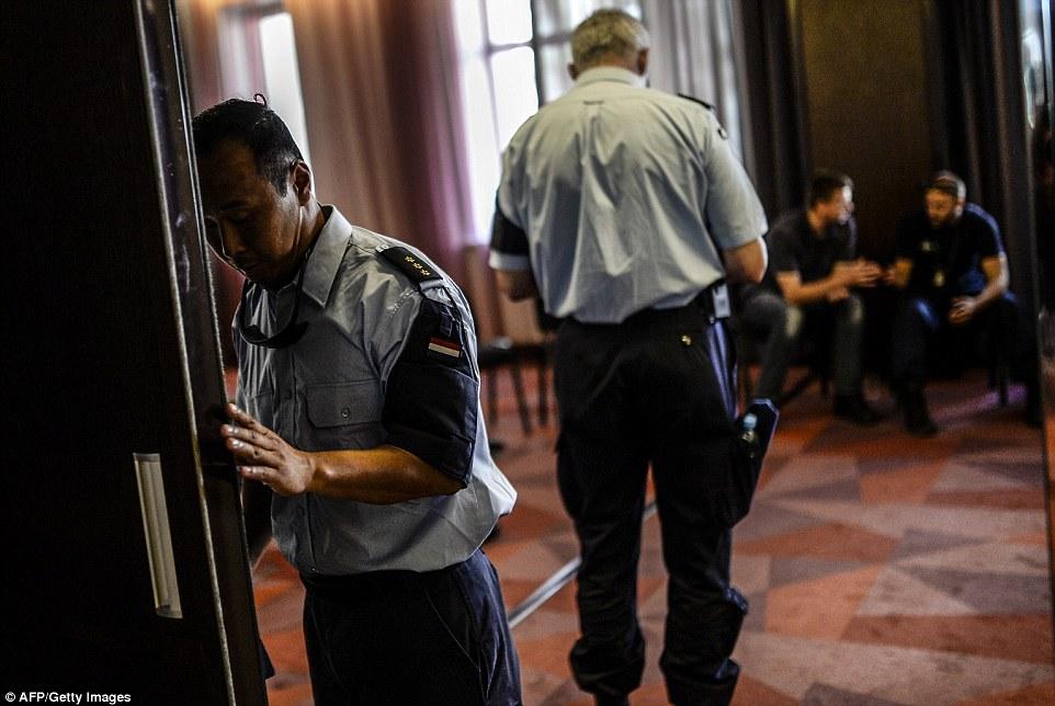 """Các nhà điều tra tránh xa hiện trường MH17 vì... sợ """"ăn"""" đạn - Ảnh 2"""
