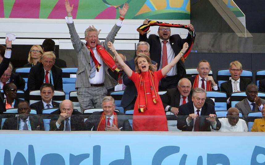 Chùm ảnh các nguyên thủ thế giới cuồng nhiệt với World Cup 2014 - Ảnh 3
