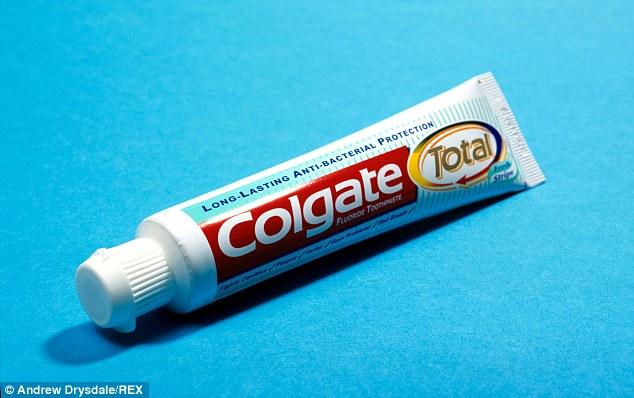 Kem đánh răng Colgate bị nghi chứa chất gây ung thư - Ảnh 1