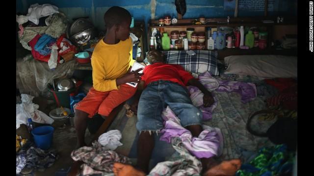 Tin tức bệnh Ebola mới nhất: 1.229 người đã tử vong - Ảnh 1