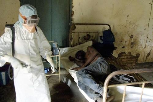Bệnh Ebola bùng phát: Lời tiên tri năm 2014 của Vanga ứng nghiệm? - Ảnh 1