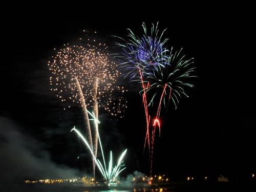 Màn pháo hoa rực rỡ tại TP.HCM mừng ngày Quốc khánh 2/9 - Ảnh 10