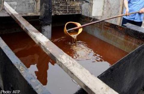 """""""Hô biến"""" 200 tấn dầu thải thành dầu ăn """"sạch"""" bán ra thị trường - Ảnh 1"""