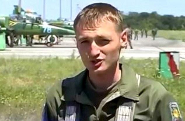 Xuất hiện hình ảnh phi công được cho là đã bắn hạ máy bay MH17 - Ảnh 1