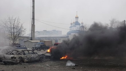 Giải cứu gần 500 thợ mỏ Ukraine bị mắc kẹt do pháo kích - Ảnh 1