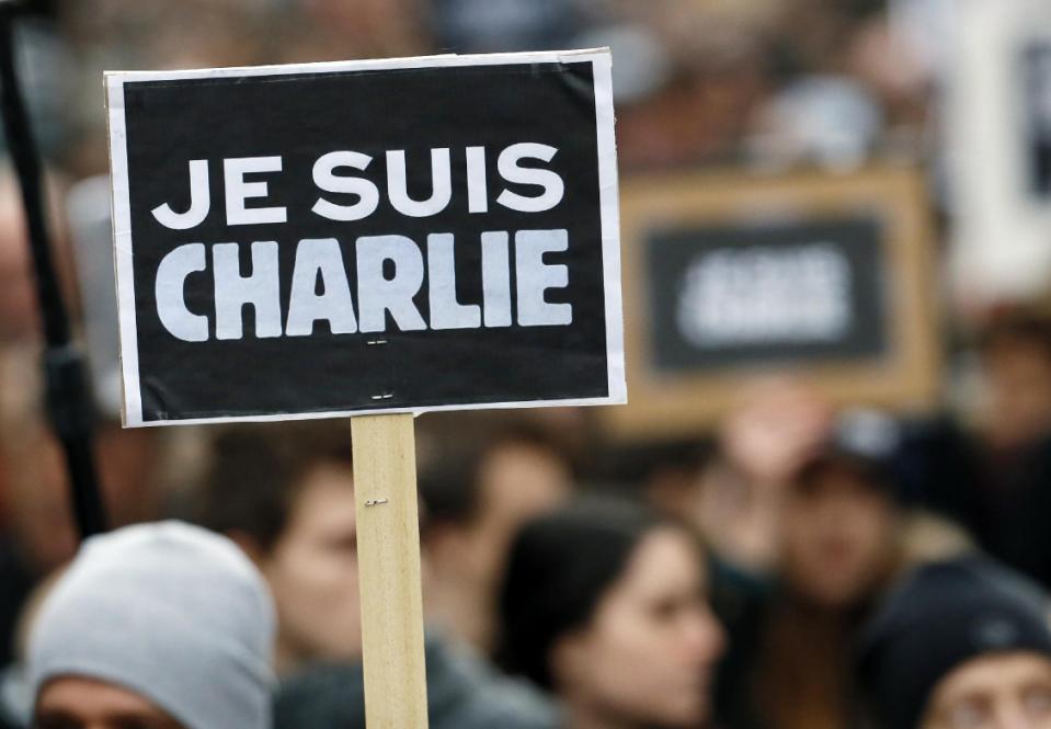 """Charlie Hebdo hoãn phát hành số tiếp theo vì """"đau buồn và kiệt sức"""" - Ảnh 1"""