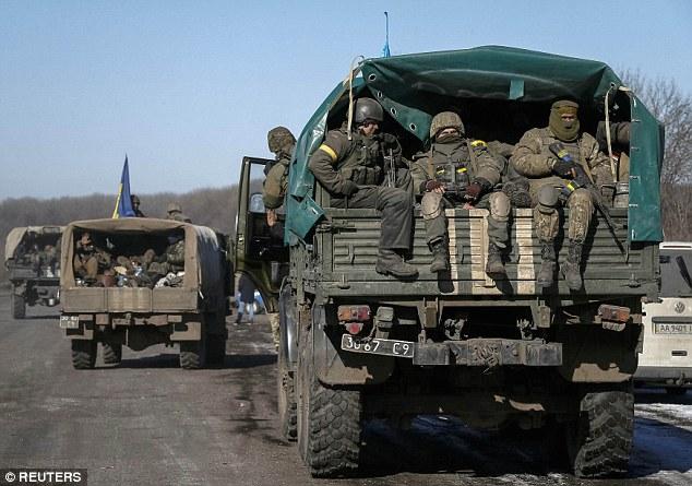 """""""Chảo lửa"""" Debaltseve hoang tàn sau cuộc giao tranh khốc liệt - Ảnh 10"""