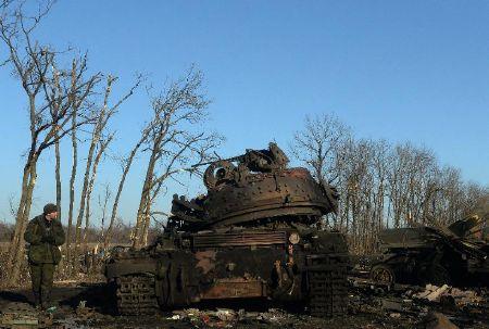 """""""Chảo lửa"""" Debaltseve hoang tàn sau cuộc giao tranh khốc liệt - Ảnh 2"""