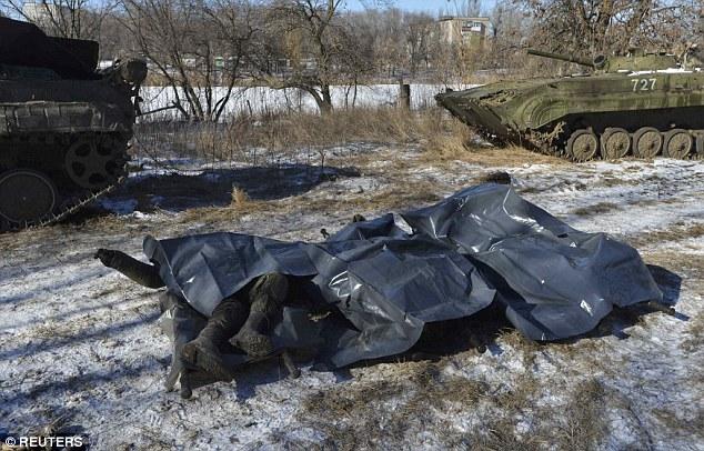 """""""Chảo lửa"""" Debaltseve hoang tàn sau cuộc giao tranh khốc liệt - Ảnh 5"""