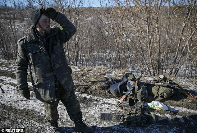 """""""Chảo lửa"""" Debaltseve hoang tàn sau cuộc giao tranh khốc liệt - Ảnh 9"""