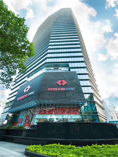Nợ xấu của Techcombank giảm mạnh, dự kiến lãi hơn 1.400 tỷ  - Ảnh 1