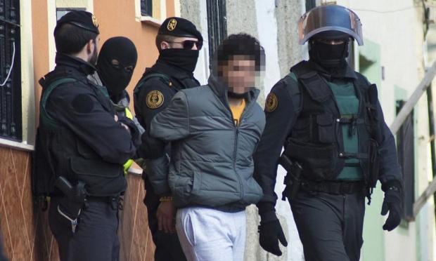 Tây Ban Nha phá vỡ mạng lưới tuyển phụ nữ tham chiến cho IS - Ảnh 1