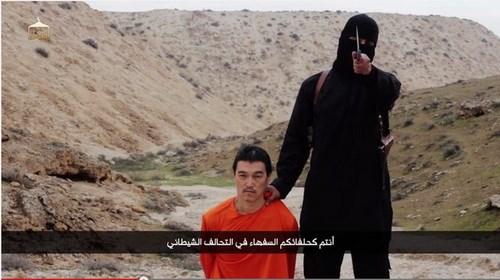 Xác định danh tính chiến binh IS trong video hành quyết con tin - Ảnh 1