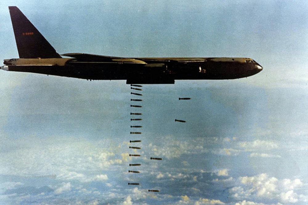 Nhìn lại cuộc Chiến tranh Việt Nam 50 năm trước qua ảnh - Ảnh 9