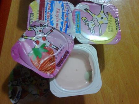 Sữa chua pho mai Le Petit mốc xanh, công ty Lê Minh phớt lờ trách nhiệm - Ảnh 1