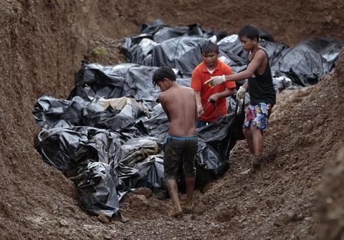 Cận cảnh Philippines: Một tuần sau siêu bão Haiyan - Ảnh 6