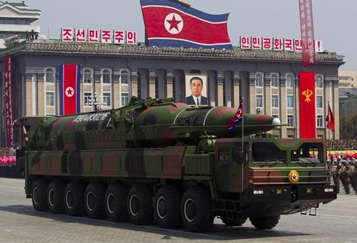 Triều Tiên có tên lửa đạn đạo bắn tới Mỹ - Ảnh 1