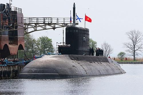 Vì sao tàu ngầm Hà Nội về Cam Ranh chậm 1 ngày? - Ảnh 2