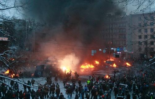 Đụng độ rung chuyển thủ đô Ukraine - Ảnh 5