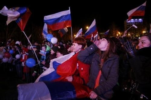 Kết quả chính thức: Gần 97% cử tri Crimea muốn gia nhập Nga - Ảnh 1