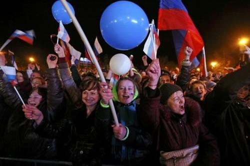 Kết quả chính thức: Gần 97% cử tri Crimea muốn gia nhập Nga - Ảnh 2