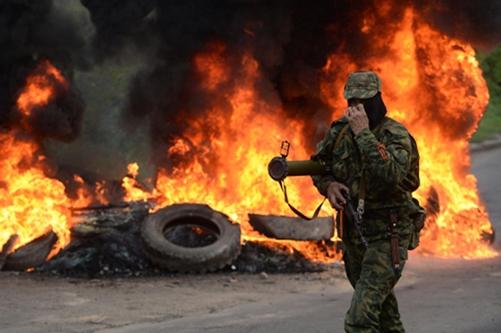 Kiev mở chiến dịch tái chiếm miền đông Ukraina - Ảnh 2