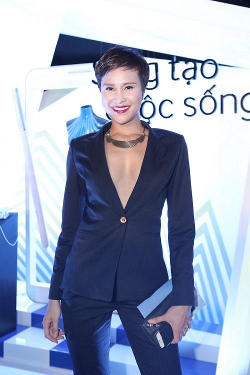 Sao VIệt xuất hiện lộng lẫy trên thảm đỏ Elle Fashion Show - Ảnh 5