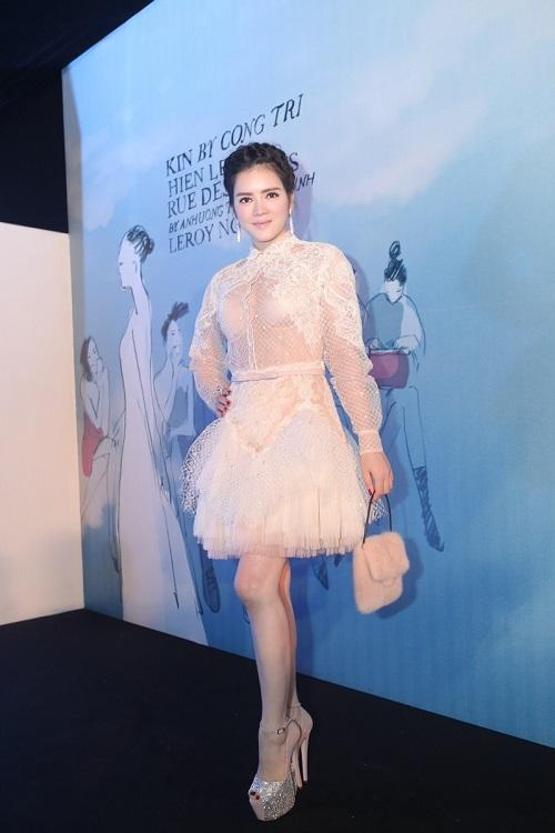 Sao VIệt xuất hiện lộng lẫy trên thảm đỏ Elle Fashion Show - Ảnh 1