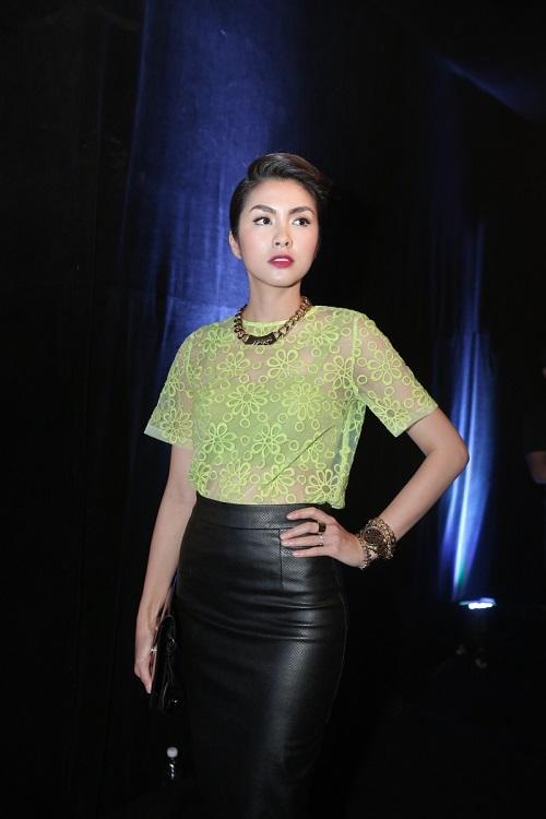Sao VIệt xuất hiện lộng lẫy trên thảm đỏ Elle Fashion Show - Ảnh 2