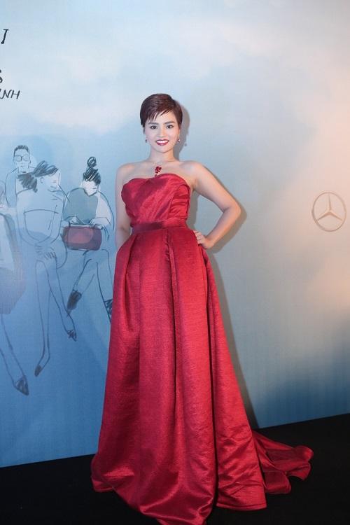 Sao VIệt xuất hiện lộng lẫy trên thảm đỏ Elle Fashion Show - Ảnh 3