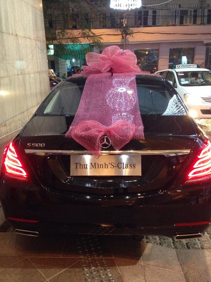 """Chồng đại gia mua xế """"khủng"""" Mercedes S500 tặng quà Noel cho Thu Minh - Ảnh 6"""