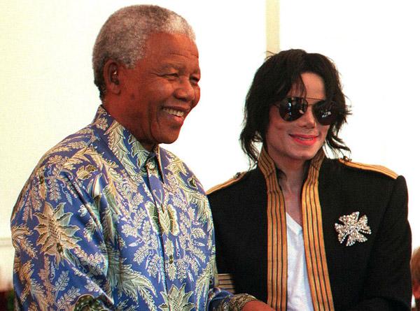 Hình ảnh tổng thống Nelson Mandela thân thiết bên sao Hollywood - Ảnh 1
