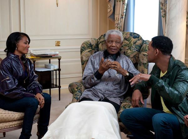 Hình ảnh tổng thống Nelson Mandela thân thiết bên sao Hollywood - Ảnh 8
