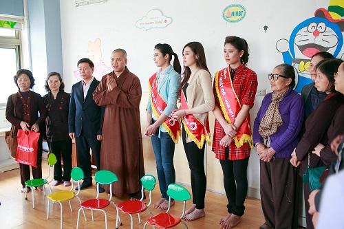 Ngọc Hân rủ Tú Anh, Nguyễn Thị Loan làm từ thiện đầu năm - Ảnh 1