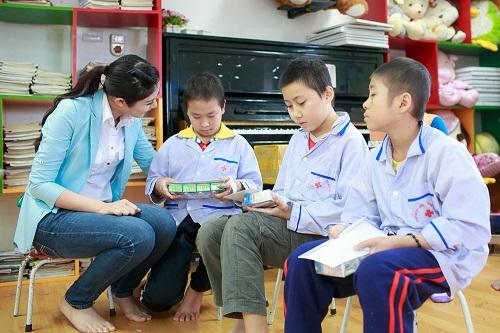 Ngọc Hân rủ Tú Anh, Nguyễn Thị Loan làm từ thiện đầu năm - Ảnh 6