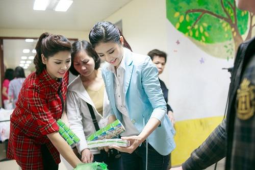 Ngọc Hân rủ Tú Anh, Nguyễn Thị Loan làm từ thiện đầu năm - Ảnh 7