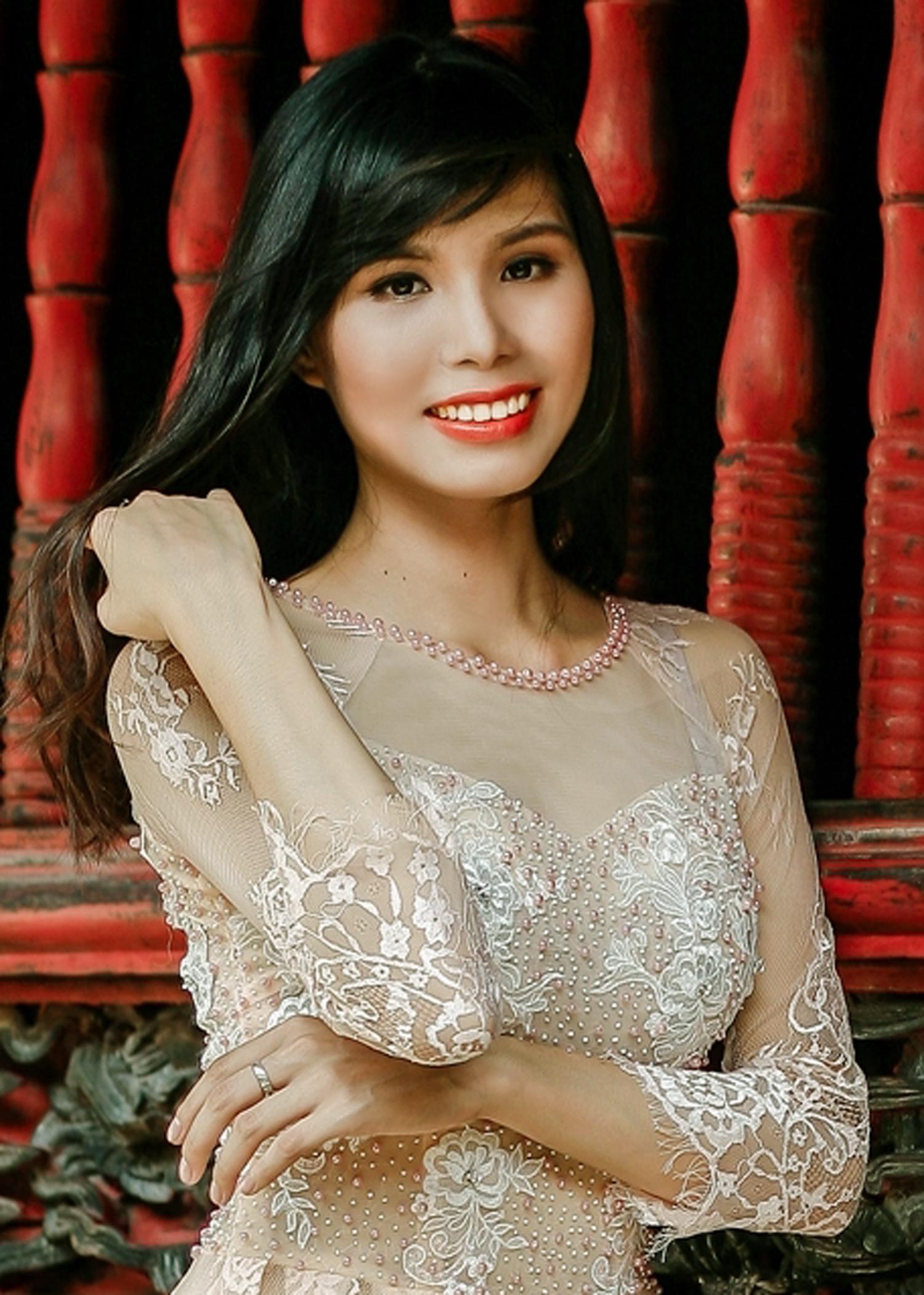 Nhan sắc xinh đẹp của thí sinh Hoa hậu Việt Nam 2014 - Ảnh 4