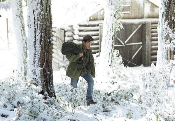 """Ngỡ ngàng cảnh """"tuyết rơi"""" trắng trời ở Đà Lạt - Ảnh 2"""