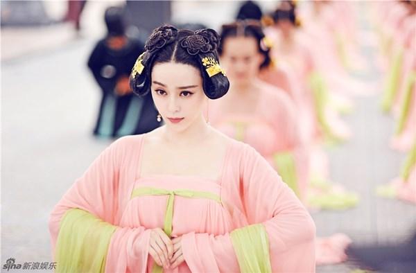 Ngắm dàn phi tần, mỹ nữ tuyệt đẹp trong phim Võ Tắc Thiên - Ảnh 1