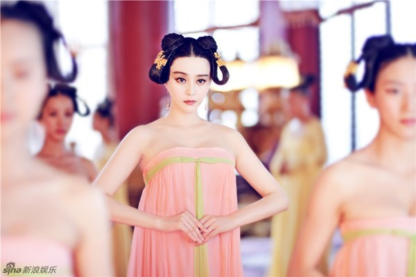 Ngắm dàn phi tần, mỹ nữ tuyệt đẹp trong phim Võ Tắc Thiên - Ảnh 2